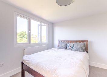 Thumbnail 4 bedroom maisonette for sale in Caversham Avenue, Palmers Green