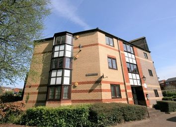 Thumbnail 3 bed flat to rent in New Bright Street, Holybrook, Reading