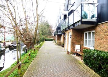 Thumbnail 1 bed flat to rent in Fourdrinier Way, Hemel Hempstead