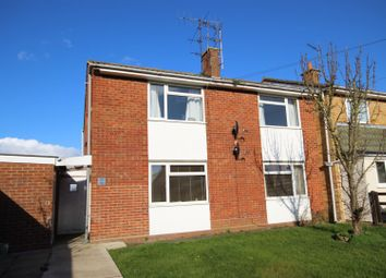 Thumbnail 2 bed flat to rent in Cotmore Close, Thame