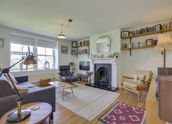 Thumbnail 2 bedroom flat for sale in Mount View Road, Stroud Green, London