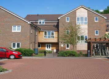 Thumbnail 1 bedroom flat to rent in Cordons Close, Chalfont St. Peter, Gerrards Cross
