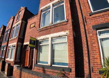Thumbnail 1 bed flat to rent in 93A Smawthorne Lane, Castleford