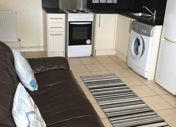 2 bed flat to rent in Oxford Street, Sandfields, Swansea SA1