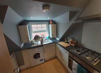 Thumbnail 1 bed flat to rent in Twyford, Berkshire