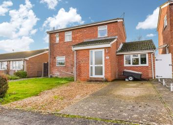 Thumbnail 4 bed detached house for sale in Redwing Road, Clanfield, Waterlooville