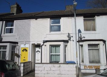 2 bed property to rent in Heathfield Avenue, Dover CT16