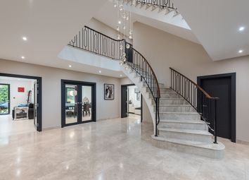 Thumbnail 7 bed detached house to rent in Valley Way, Gerrards Cross