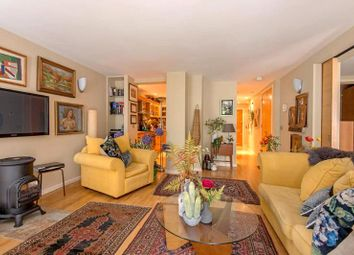 Thumbnail 1 bedroom flat for sale in West Heath Road, Hampstead