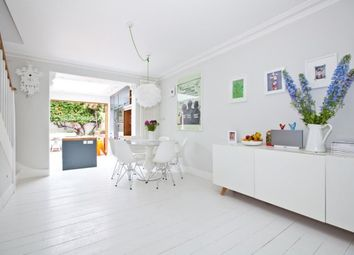 2 bed cottage to rent in Short Road, Chiswick W4