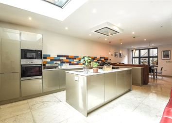 Thumbnail 6 bed terraced house to rent in Ashvale Road, Tooting