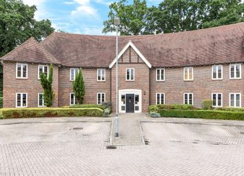 Thumbnail 2 bed flat to rent in Highgrove Avenue, Ascot