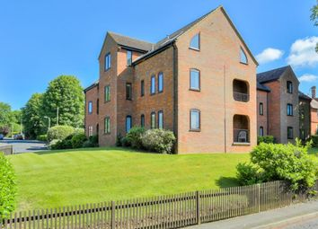 Thumbnail 2 bedroom flat for sale in Hollybush Lane, Harpenden