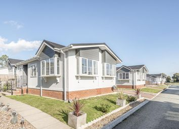Thumbnail 2 bedroom detached bungalow for sale in Reading, Berkshire