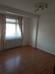 Thumbnail 3 bed flat to rent in Kingsley Garden, Chingford