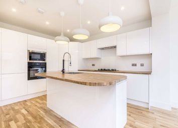 5 bed property to rent in Rogers Road, Tooting SW17