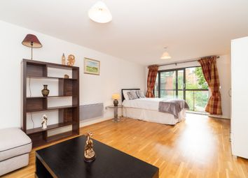 Thumbnail Room to rent in Vincent Street, Victoria, Central London.
