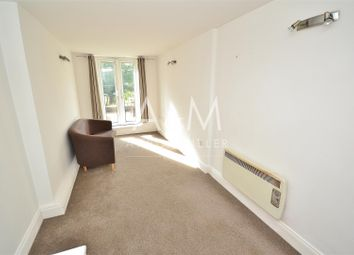 1 bed property to rent in The Roses, High Road, Woodford Green IG8
