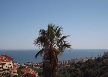 Thumbnail Property for sale in Fuengirola, Málaga, Spain
