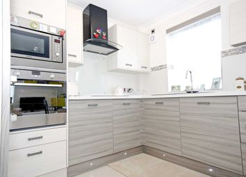 Thumbnail 1 bed flat for sale in Park Lodge, Queens Park Avenue, Billericay