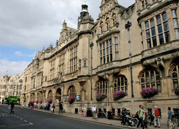Thumbnail 2 bedroom flat to rent in St. Aldates, Oxford