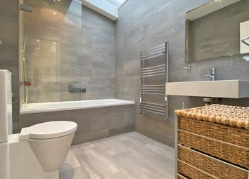 3 bed mews house to rent in Fitzroy Mews, Fitzrovia W1T