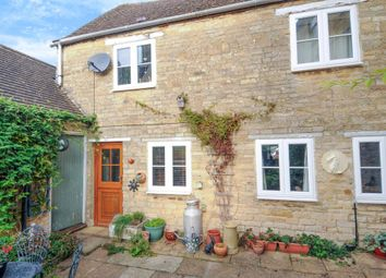 Thumbnail 2 bed cottage for sale in Sheep Street, Charlbury
