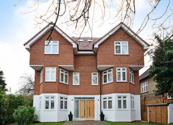 Thumbnail 2 bed flat to rent in Alexandra Grove, North Finchley