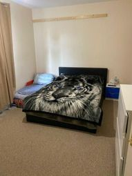 Thumbnail Room to rent in Convent Gardens, London