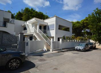 Thumbnail 5 bed villa for sale in Villa With Pool Just Steps From The Sea, Lido di Specchiolla, Italy