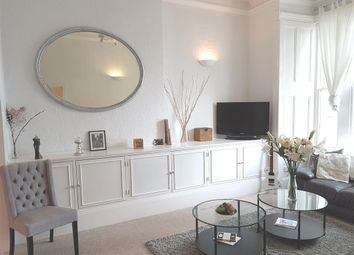 2 Bedrooms Flat to rent in Sinclair Road, London W14