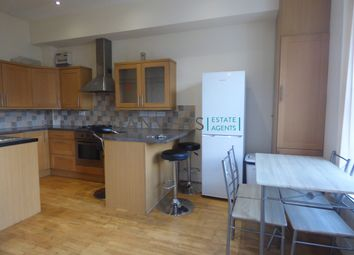 Thumbnail 3 bed flat to rent in University Road, Leicester