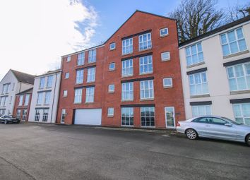 Thumbnail 2 bed flat for sale in 7 Hillary Wharf, South Quay, Douglas