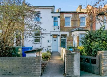 2 bed flat to rent in St. Georges Terrace, Peckham Hill Street, London SE15