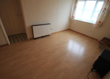 Thumbnail 1 bed flat to rent in Repton Close, Luton