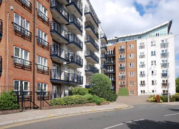 2 bed flat to rent in Seven Kings Way, Kingston, Kingston Upon Thames KT2