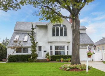 Thumbnail 4 bed property for sale in Hewlett, Long Island, 11557, United States Of America