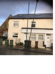 Thumbnail 1 bed flat to rent in Lind Road, Sutton