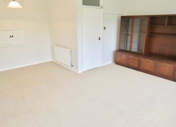 2 bed maisonette to rent in Park Farm Close, East Finchley N2