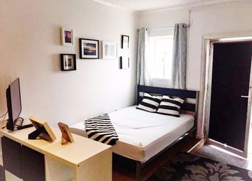 Thumbnail Terraced house to rent in Villiers Road, London