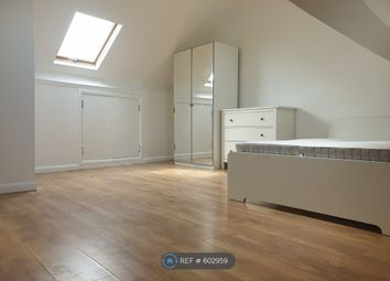 5 bed semi-detached house to rent in White Hart Lane, London N17