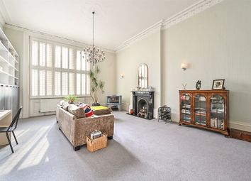 Palmeira Square, Hove, East Sussex BN3. 2 bed flat for sale