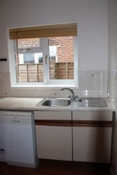 Thumbnail 2 bed flat to rent in Haldon Road, St Davids, Exeter