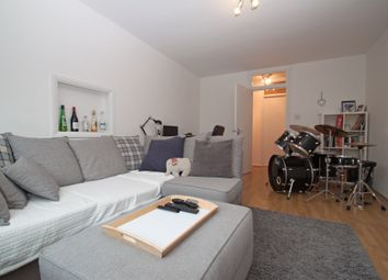 Thumbnail 2 bed flat to rent in High Road, New Southgate