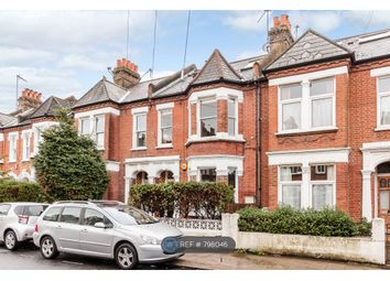 2 bed maisonette to rent in Broomwood Road, London SW11