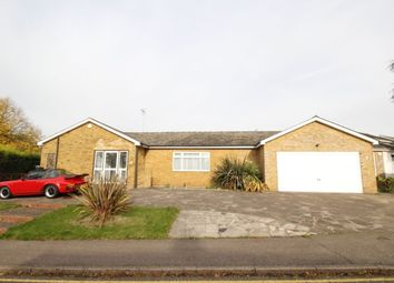 Thumbnail 4 bed bungalow to rent in Roe Green Close, Hatfield