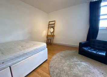 Thumbnail 5 bed flat to rent in Mowatt Close, Islington