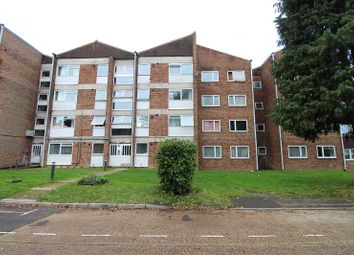 Thumbnail 2 bed flat for sale in Oak Road, Crawley, West Sussex.