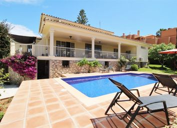 Thumbnail 3 bed villa for sale in Cabopino, Marbella, Málaga, Andalusia, Spain