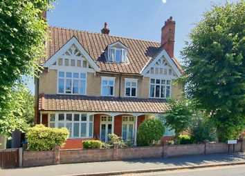 Thumbnail 2 bed flat for sale in Lauriston Road, Wimbledon